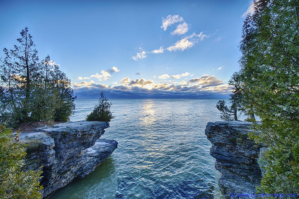 Lake Michigan, photo: flickr.com/elviskennedy  (CC BY-NC-ND 2.0)
