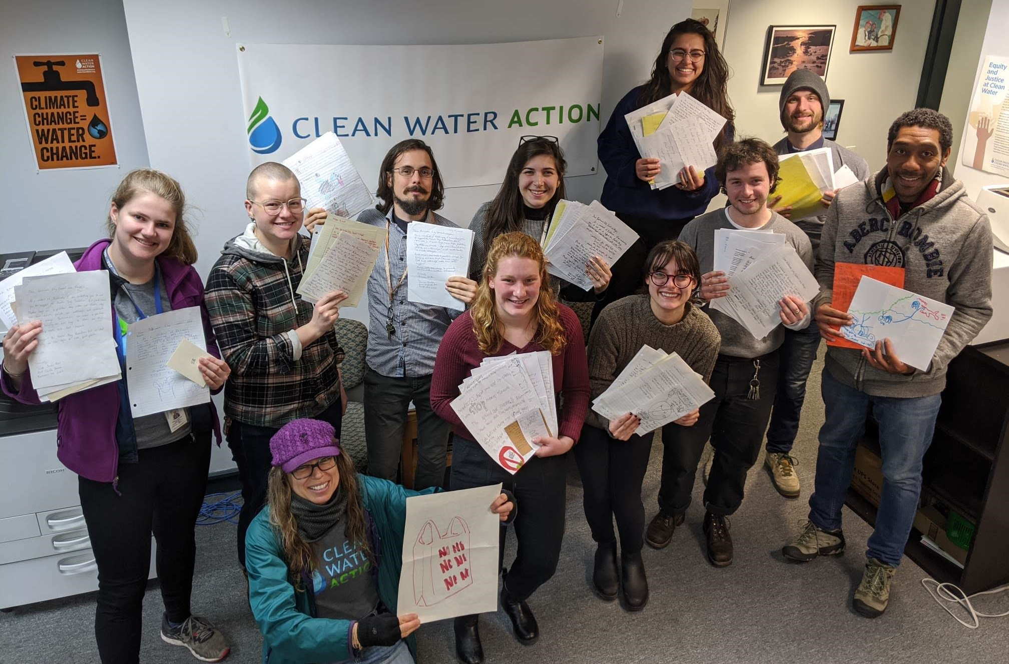 Our Baltimore canvass team collected 126 letters from city residents supporting the plastic bag ban!