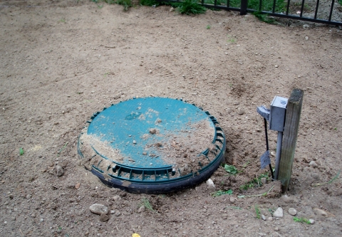 Septic tank lid. photo: flickr.com/mmwm (CC BY-NC-ND 2.0)