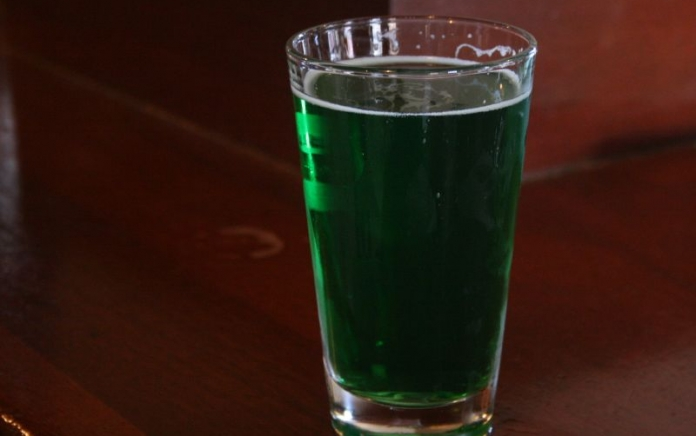 Green beer / photo: flickr.com/diamondduste (CC BY-NC-ND 2.0)