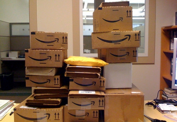 Amazon boxes / photo: flickr.com/121483302@N02 (CC BY-SA 2.0)