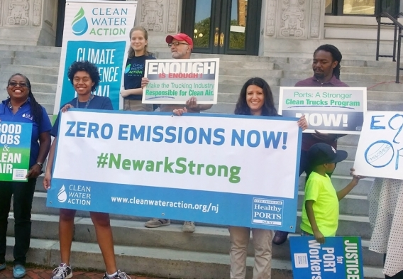 Kim Gaddy and Clean Water Action at a Ports Motorcade Rally for Clean Air & Good Jobs. Photo by Jeanette Mitchell