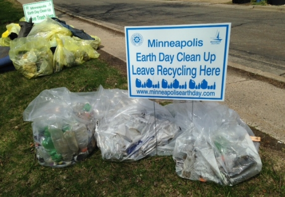 Recycling collected at Bassett Creek cleanup